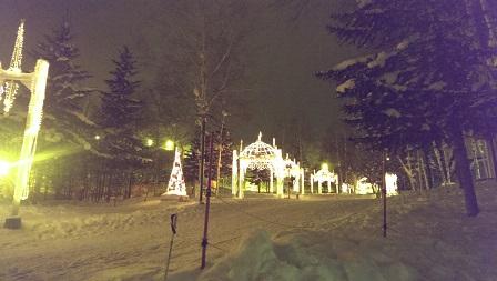 ホテル前スキー場への道