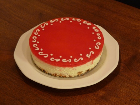 スグリソースのレアチーズケーキ