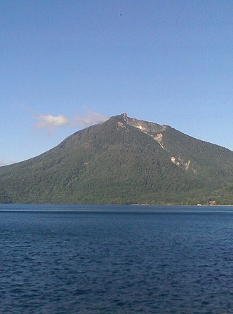 支笏湖から恵庭岳